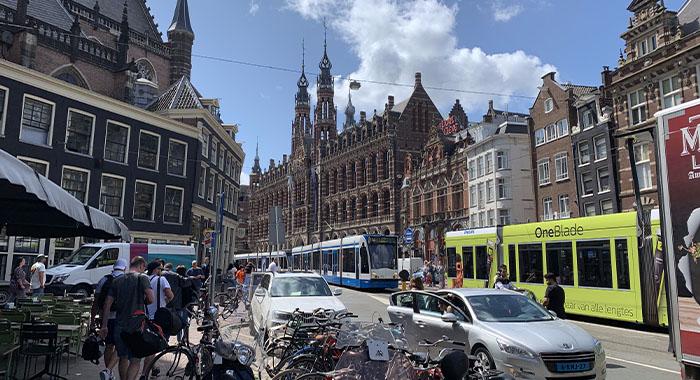 Kako koristiti javni prijevoz u Amsterdamu?