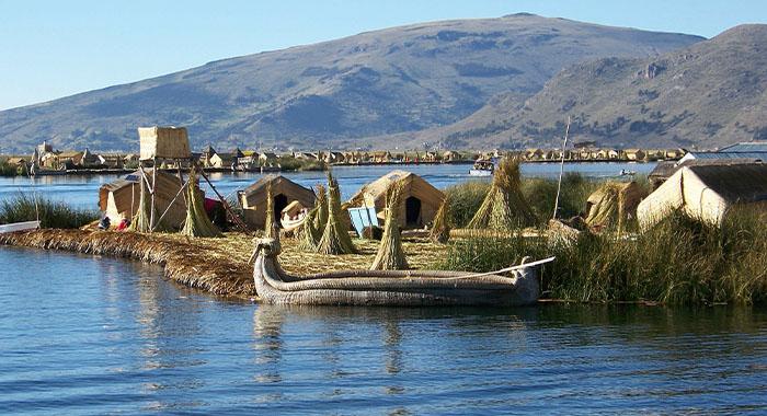 Plutajući otoci na jezeru Titicaca