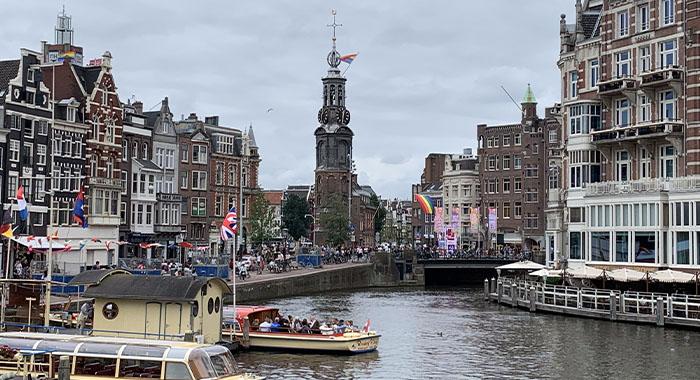 Amsterdam: grad tolerancije, Pridea i novca