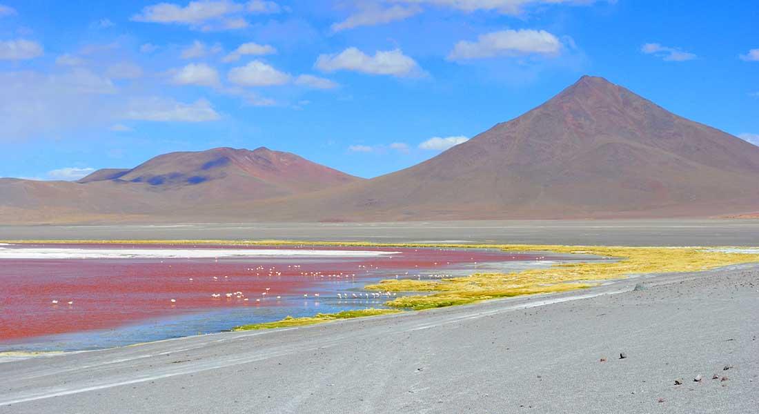 Crvena laguna s plamenima u Boliviji