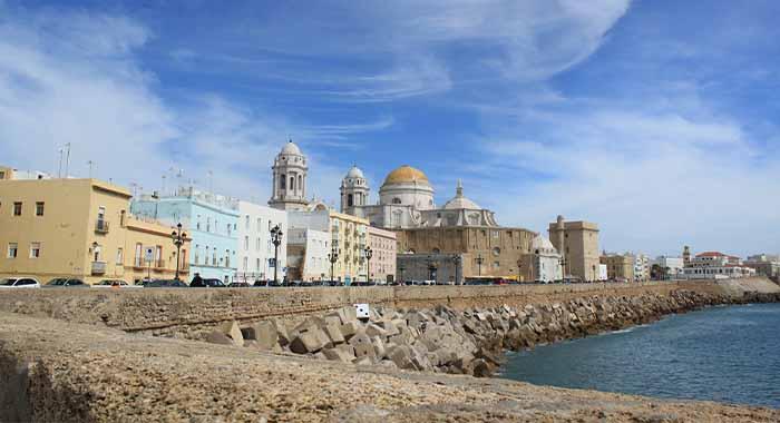 Cadiz, grad tornjeva u Andaluziji