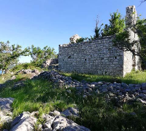 Otok Krk: u potrazi za frankopanskim posjedima oko Dobrinja