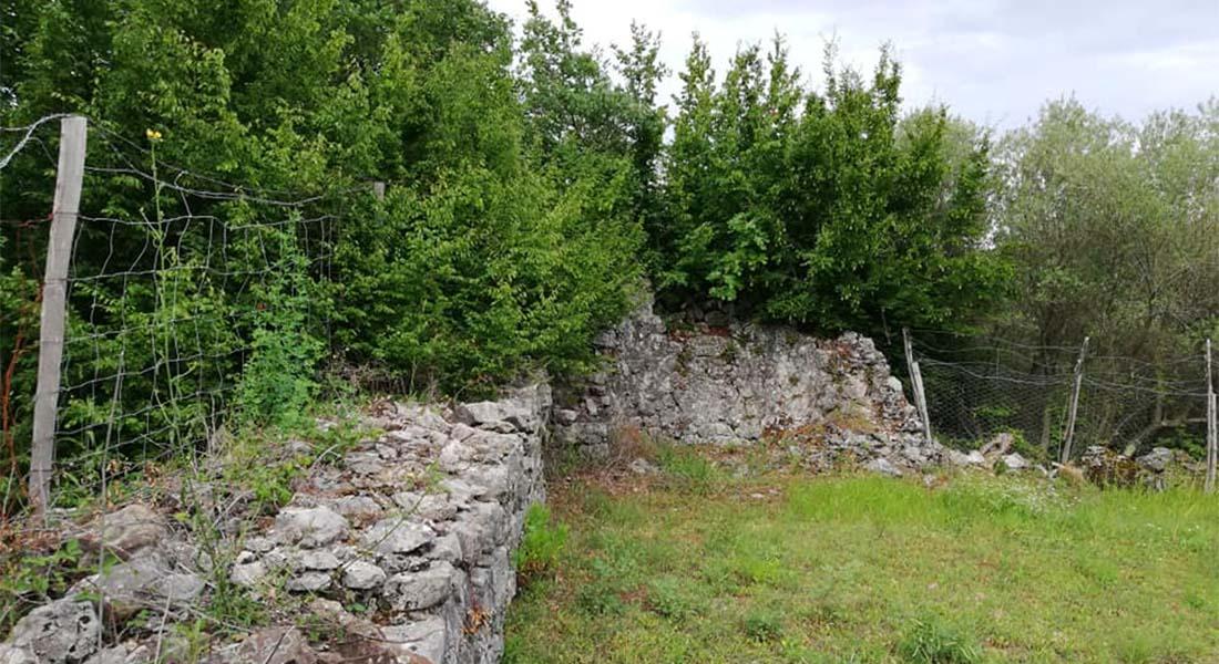 Ostaci crkve svete Jelene na Krku