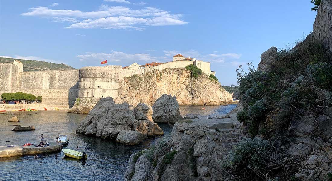 Stepenice prema tvrđavi Lovrjenac