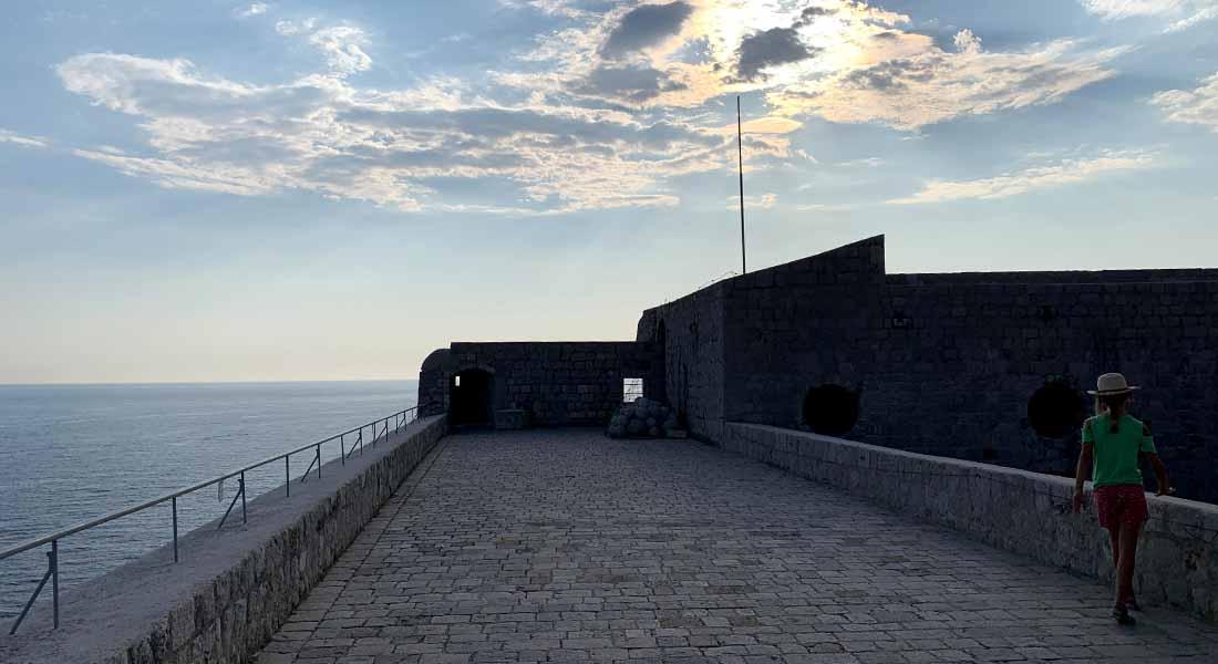 Terasa u tvrđavi Lovrjenac u Dubrovniku