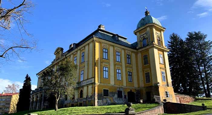 Dvorac u Našicama: posjetite pravo blago u srcu Slavonije