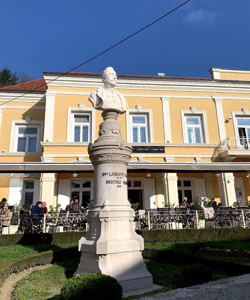 Spomenik Ljudevitu Gaju u Krapini