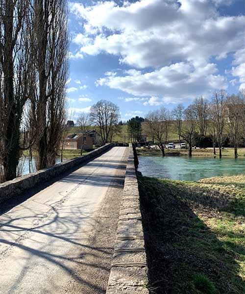 Kameni most na rijeci Dobri