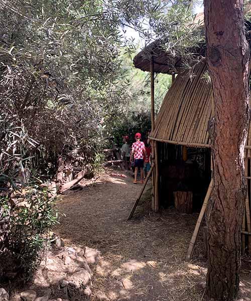 Safari bar na Kamenjaku