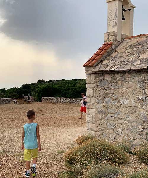 Kapelica Svih svetih na Vranskom jezeru