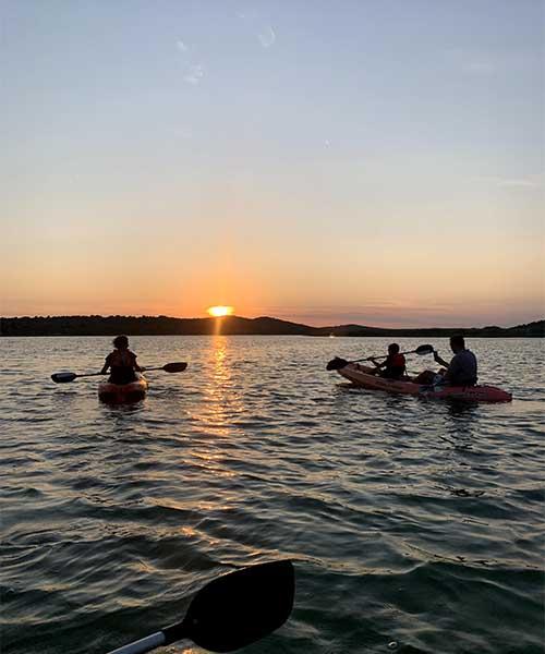 Zalazak sunca i Vransko jezero