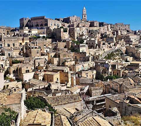Matera u Italiji: ovdje ljudi i dalje žive u špiljama