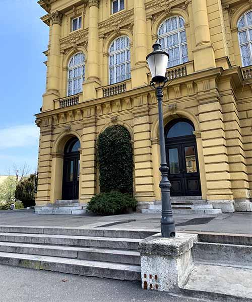 Mali Zagreb kod Hrvatskog narodnog kazališta