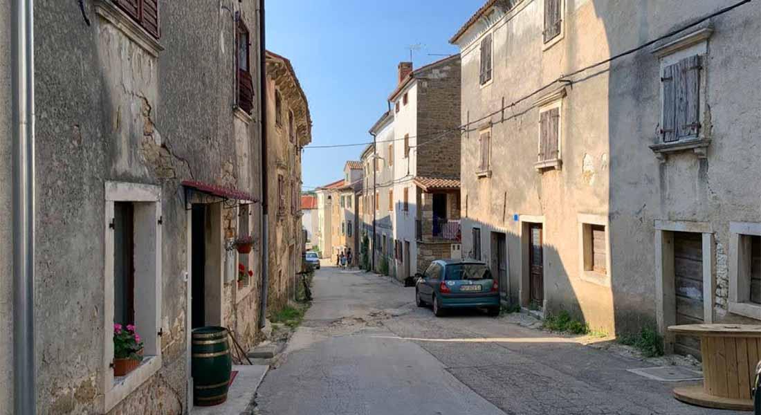Selo Momjan u Istri