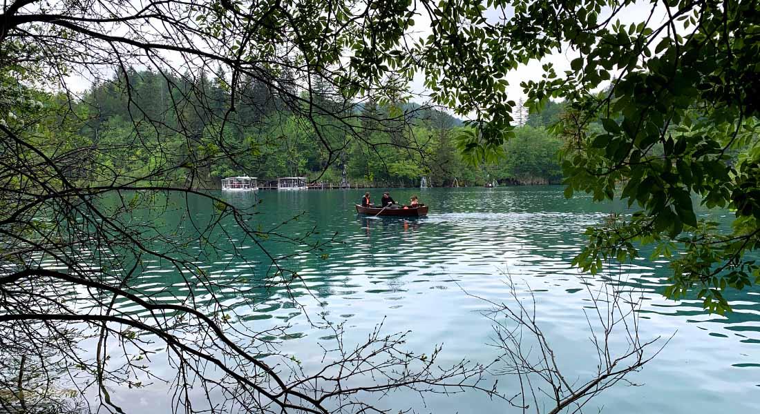 Plovidba u čamcu po jezeru Kozjak
