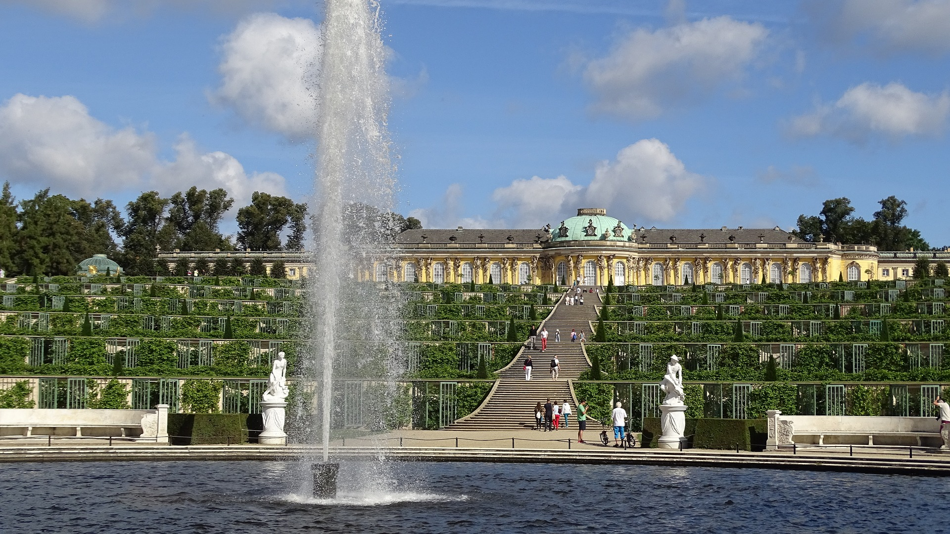 Dvorac Sanssouci u Potsdamu