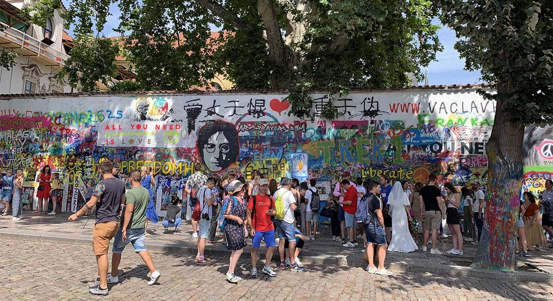 Lennonov zid u Pragu