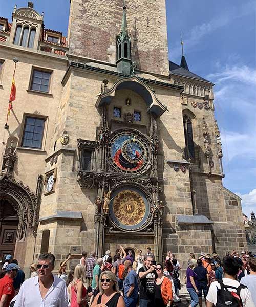 Astronomski sat Orloj