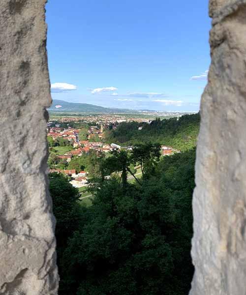 Pogled na Samobor i Zagreb