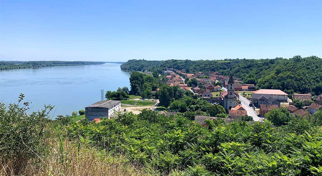 Pogled na Šarengrad i Dunav