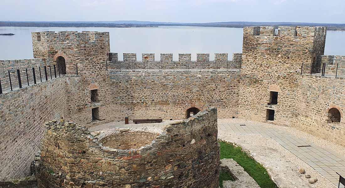 Tvrđava na Dunavu