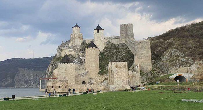 Tvrđave u Srbiji: obišli smo 3 fantastične utvrde u jednom danu