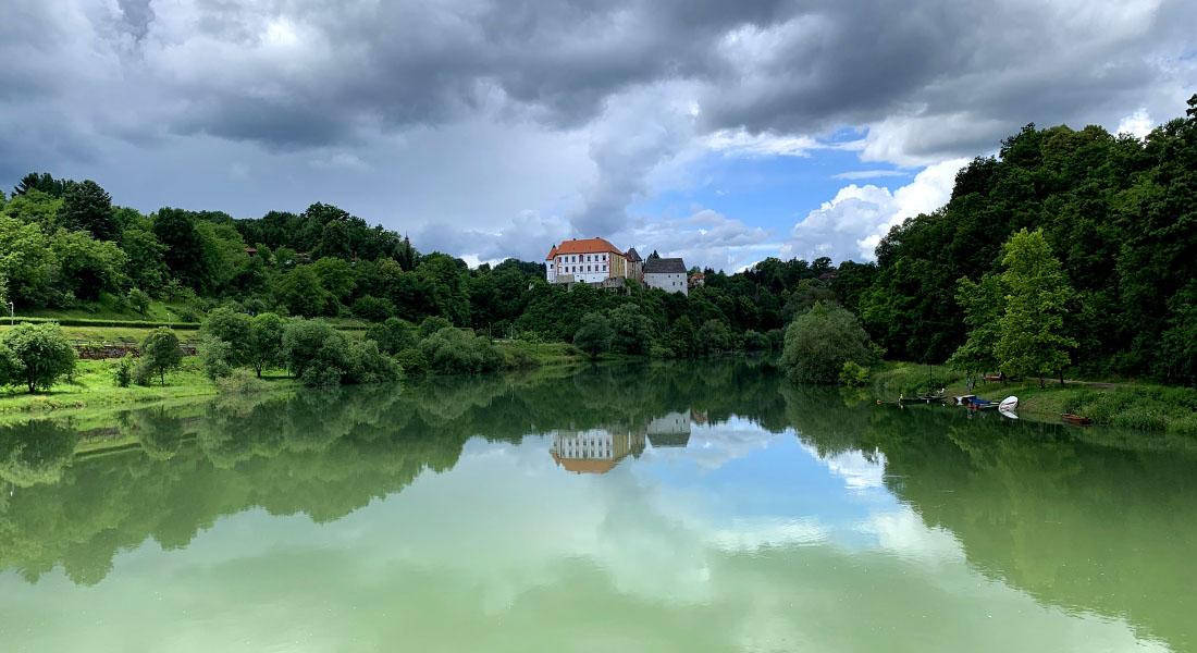 Rijeka Kupa i ozaljski dvorac