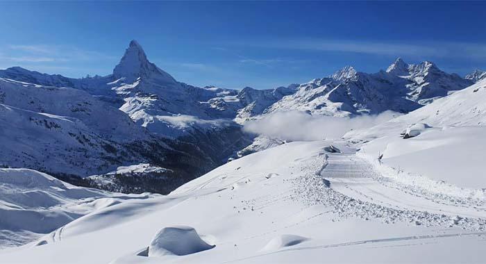 Zermatt u Švicarskoj: skijanje ispod simbola čokolade Toblerone