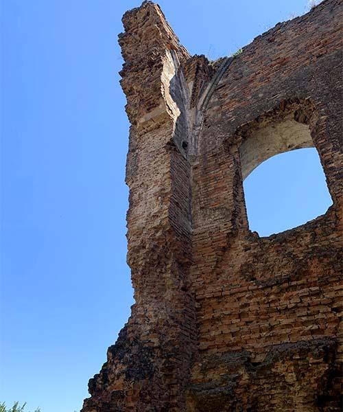 Kula u utvrdi Voćin