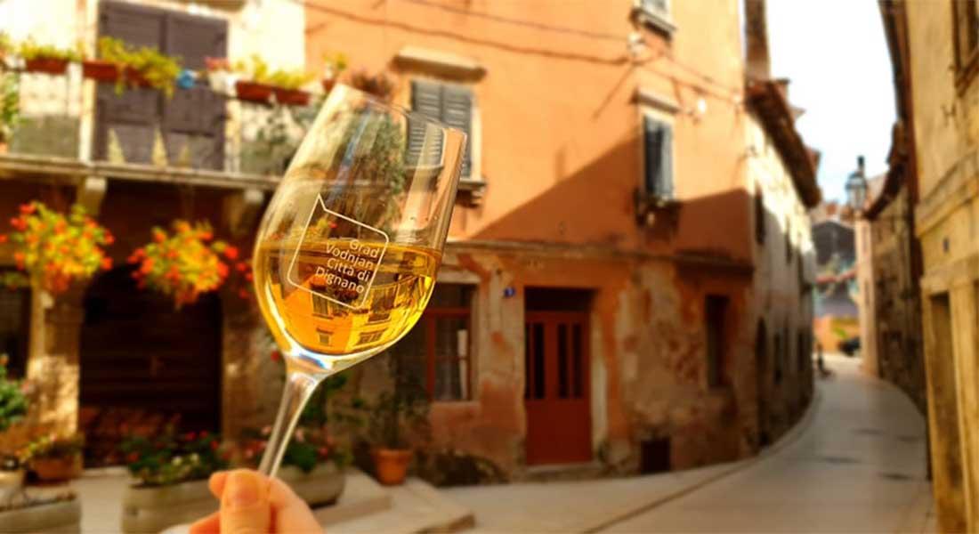 """Vino """"Vin de Rosa"""" iz Vodnjana"""